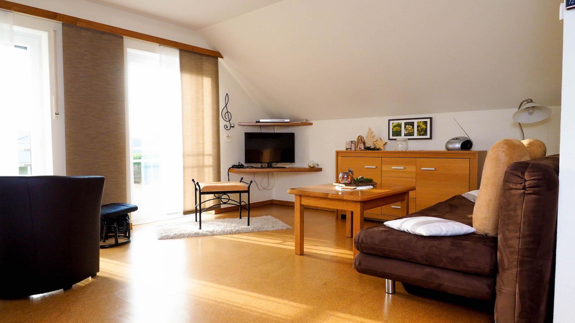 ausstattung der ferienwohnung ferienwohnung zum rosengarten. Black Bedroom Furniture Sets. Home Design Ideas