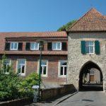 Das Burgtor - Eingang zur Ringburganlage